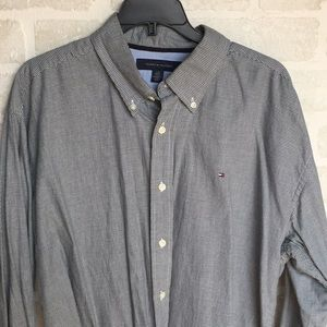 XL men's button down Tommy Hilfiger shirt